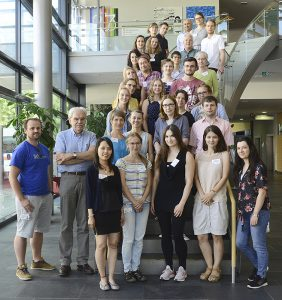 Here you should see apicture of the Young Scientists of the CRC/TRR 205.